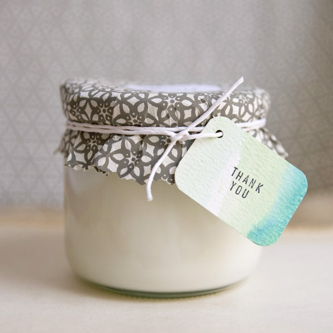 DIY soy candle plus more hostess gift ideas