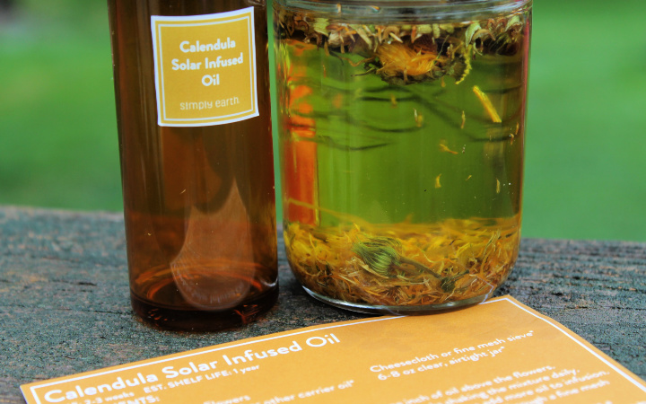 Calendula Solar Infused Oil